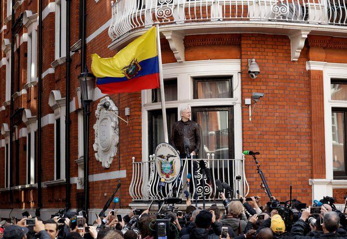 """اعتقال أسانج مؤسس """"ويكيليكس"""" بعد 7 سنوات من المطاردة"""