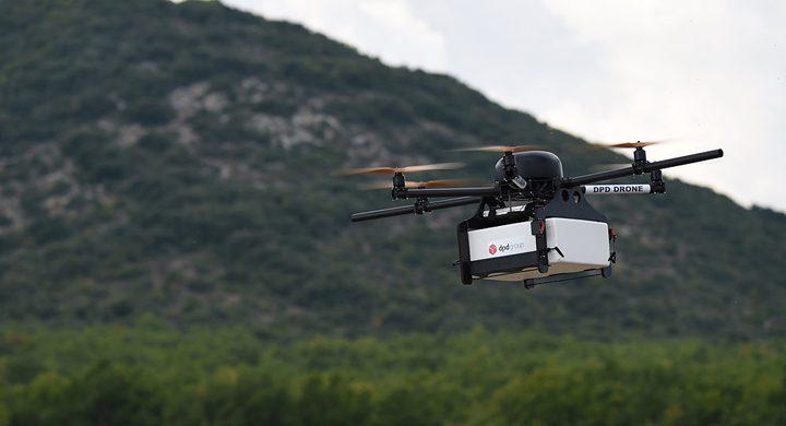 بدء استخدام الطائرات المسيرة في خدمات التوصيل