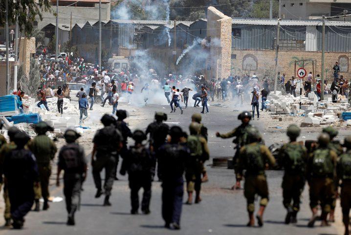 إصابات بالمطاط والاختناق خلال مواجهات مع الاحتلال في الخليل