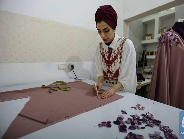 نيرمين الحوراني مصممة أزياء واكبت الموضة وتحدت تقاليد المجتمع