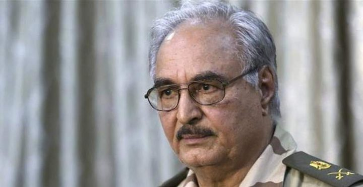 الفايننشيال تايمز: حفتر يقود معركته الأخيرة من أجل السلطة في ليبي