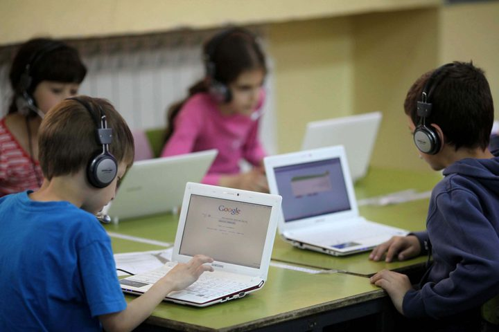 طفل إندونيسى ينفق 11 مليون روبية على ألعاب الإنترنت