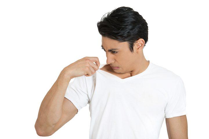 هواتف أيفون المقبلة ستنبهك اذا كانت رائحة عرقك أو نفسك منفرة