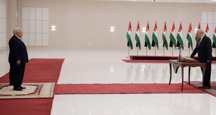 خالد العسيلي يتسلم مهامه وزيرا للاقتصاد الوطني
