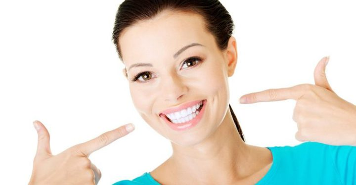 دراسة تثبت أن الابتسامة تحسن المزاج