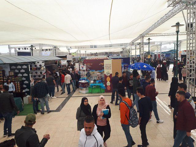 إطلاق فعاليات مهرجان التسوق الثالث في جامعة النجاح الوطنية