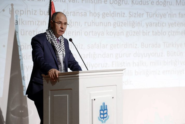 سفير فلسطين لدى تركيا يوجه رسالة مهمة للمهاجرين الشباب