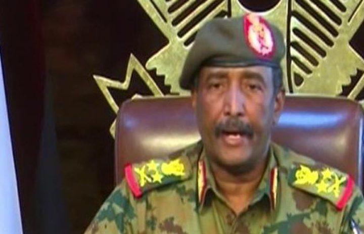 السودان : المجلس العسكري يحيل عوض بن عوف ومدير المخابرات للتقاعد