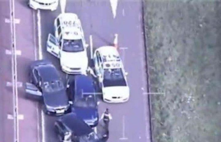 """مطاردة بين سارق والشرطة في إنجلترا تنتهي بـ """"مصيدة رباعية"""""""