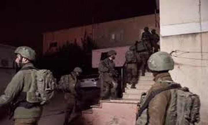 الاحتلال يعتقل 5 شبان في الضفة الغربية