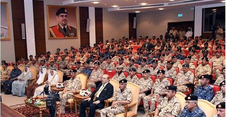 تفكجي يقدم محاضرة عن القدس لأركان وكبار ضباط قوة دفاع البحرين