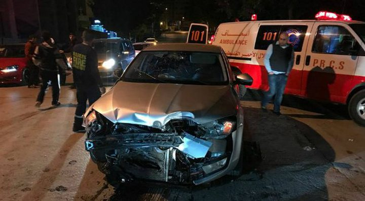 مصرع طفل وسيدة واصابة 3 مواطنين بحادثي سير جنوب القطاع