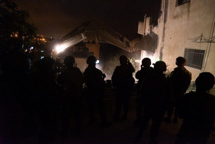 الاحتلال يهدم منزل الشهيد البرغوثي ويشن حملة اعتقالات