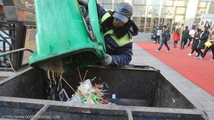 """عامل نظافة صيني يتبرع بمعظم أمواله لـ""""هدف نبيل"""""""