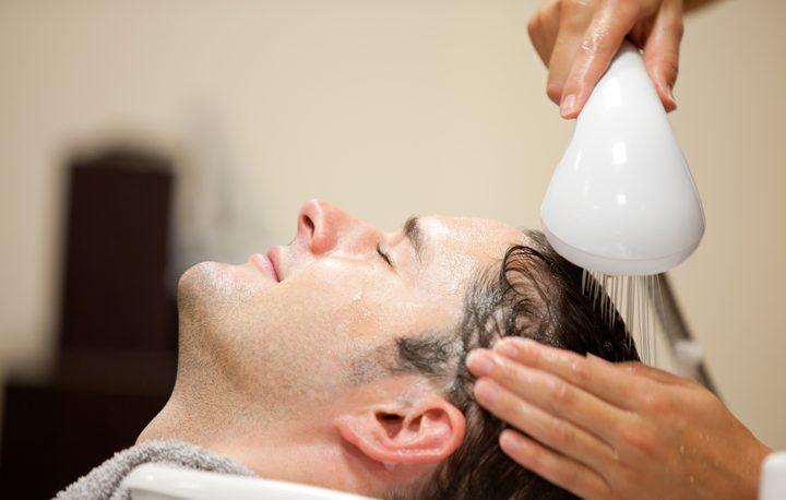 صحيًا.. كم مرة يجب أن تغسل شعرك؟