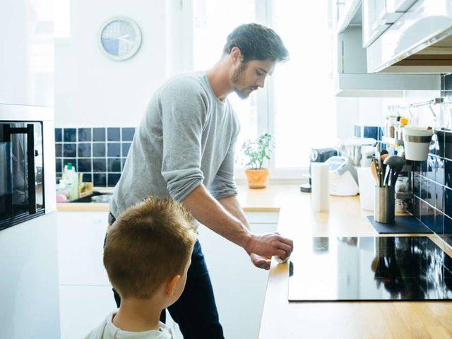 غبار المنزل يحتوي على ميكروبات تحلل الكيمياويات المسببة للسرطان