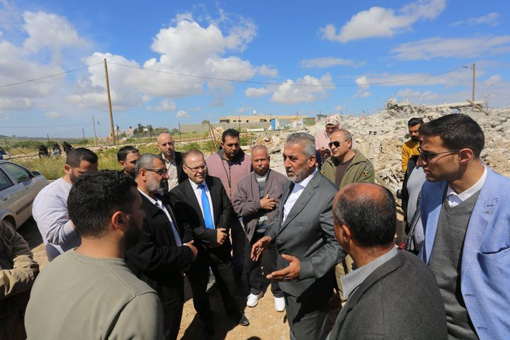 وزير الحكم المحلي يستنكر هدم الاحتلال لمنازل المواطنين