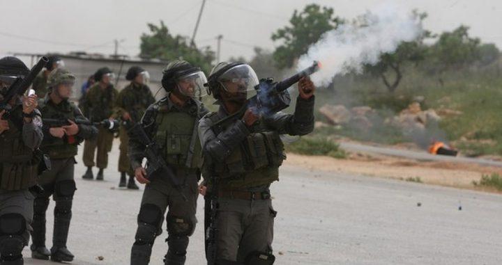 إصابة فتى بجروح خطيرة بمواجهات مع الاحتلال شرق بيت لحم
