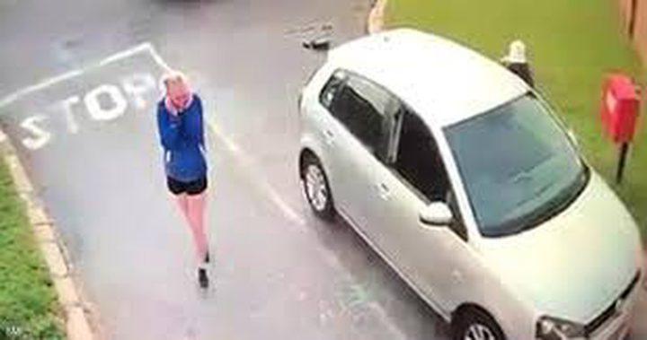 جنوب افريقيا.. لصان يسرقان سيارة سائحة في وضح النهار