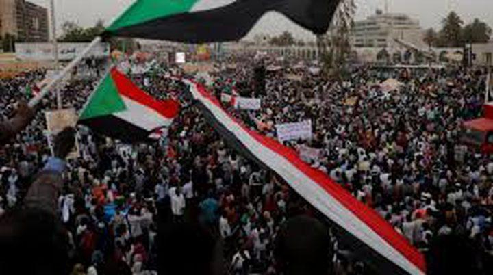 قادة الاحتجاجات بالسودان يعلنون تشكيل مجلس سيادي مدني