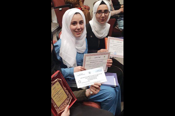 بنات جينصافوط الثانوية في المركز (1) بمسابقة المشاريع العلمية