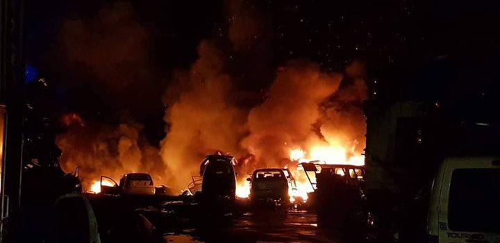 """حريق ضخم في """"مشطب"""" للسيارات في برطعة"""