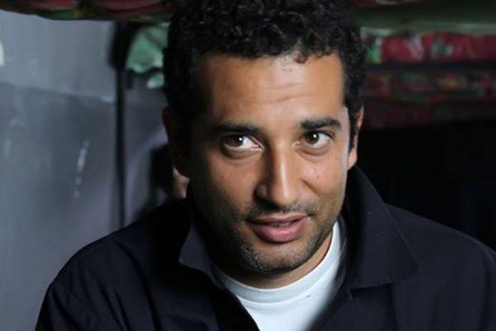 """""""كارت ميمورى"""" يغير مجرى حياة عمرو سعد فى """"بركة"""".."""