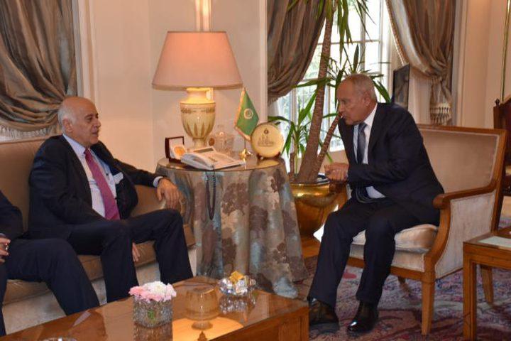 الرجوب يطلع أبو الغيط على آخر مستجدات القضية الفلسطينية