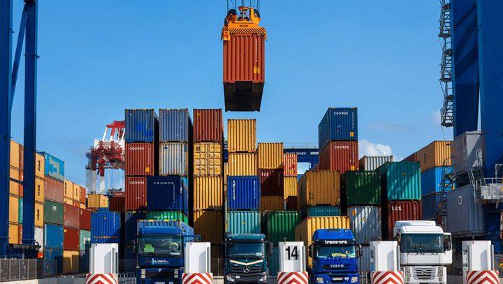 انخفاض الواردات السلعية وارتفاع طفيف في الصادرات