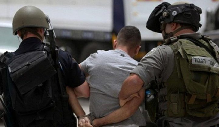 الاحتلال يزعم اعتقال 3 مواطنين من جنين بتهمة حيازة سلاح