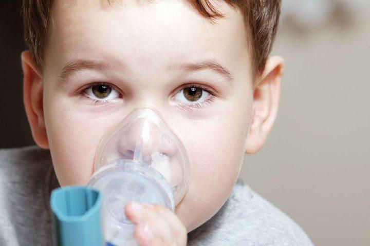 لماذا تسبب بعض نزلات البرد نوبات الربو عند الأطفال ؟