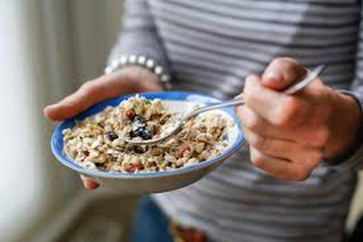 تخطي وجبة الإفطار يزيد أمراض القلب بنسبة 87٪