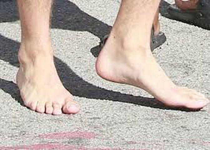 علامات خفية على قدمك تكشف عن أمراض مثل السرطان والصدفية