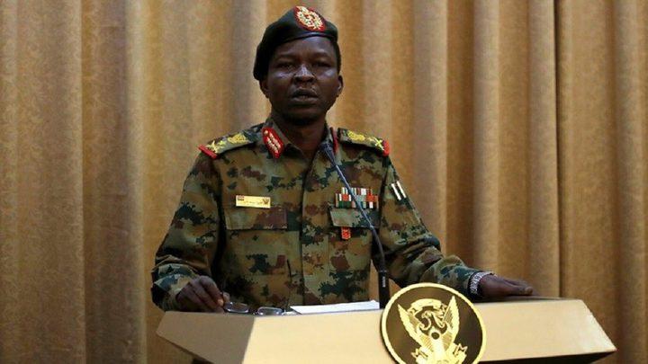 السودان.. المجلس العسكري الانتقالي ينظر باستقالة ثلاثة من أعضائه