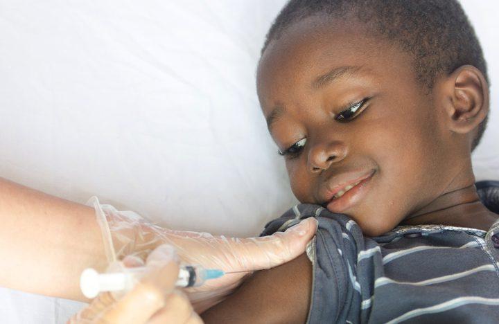 أول لقاح ضد الملاريا في العالم يمكن أن ينقذ عشرات الآف الارواح