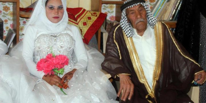 حرصًا على الميراث.. أبناء يمنعون آباءهم من الزواج