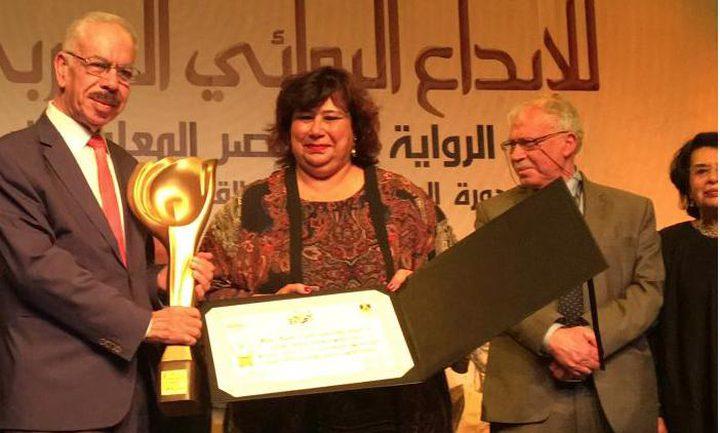 فوز الأديب يحيى يخلف بجائزة ملتقى الرواية العربية