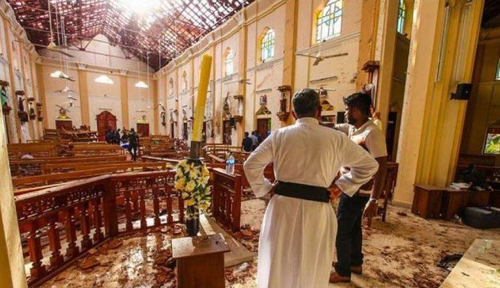 """تفجيرات """"عيد القيامة"""" تطيح بوزير الدفاع السريلانكي"""