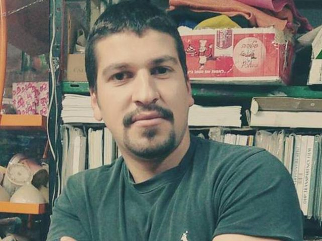 بعد اتفاق لإنهاء اعتقاله.. الأسير خالد فراج يعلق إضرابه