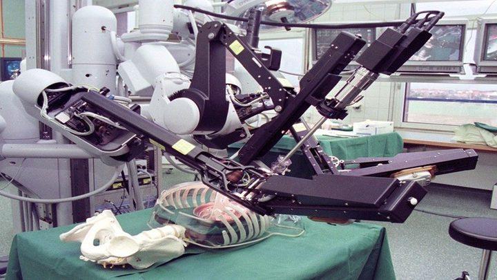 أول جرّاح روبوت ذاتي القيادة!