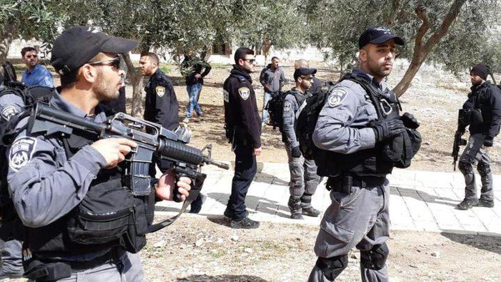 الاحتلال يعتقل طفلا من داخل المسجد الأقصى