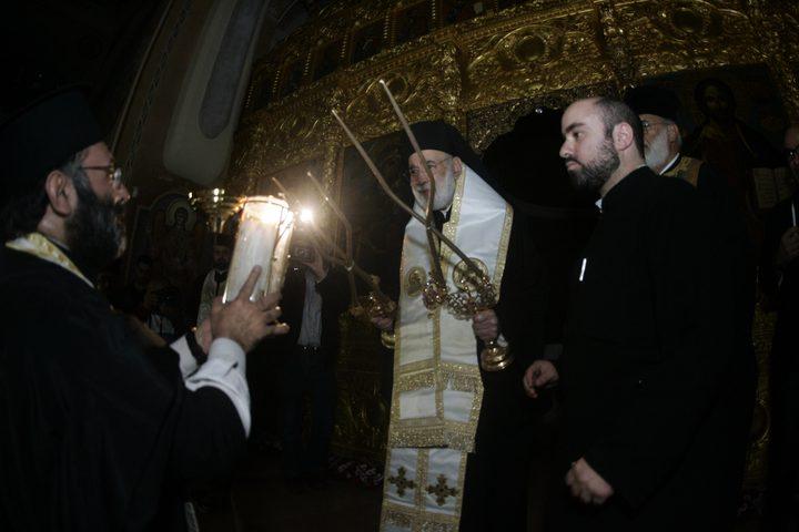 وصول شعلة النور المقدس من القدس إلى بيروت