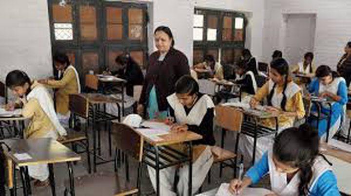 الحكومة الهندية تحقق في انتحار 18 طالبا بعد رسوبهم في الامتحانات