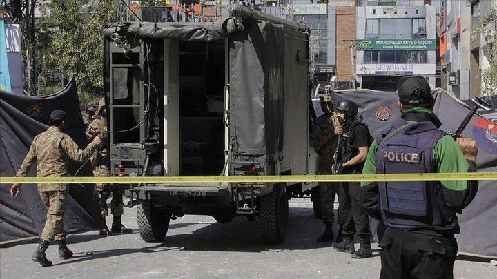 مقتل 3 عناصر أمن باكستانيين بانفجار قنبلة قرب الحدود الأفغانية