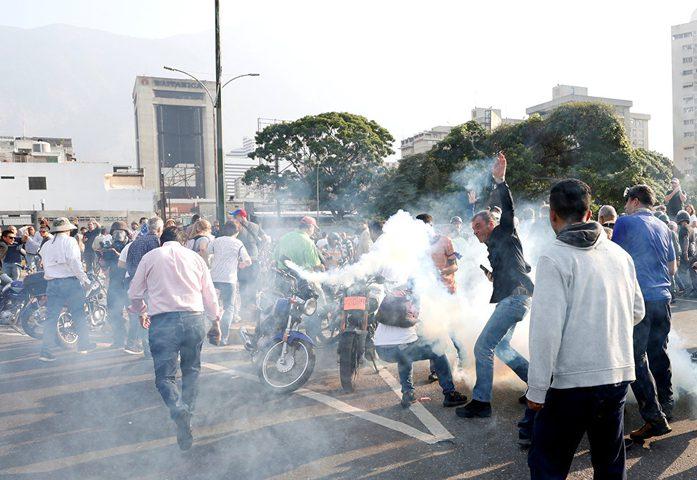 فنزويلا: إطلاق نار على تجمع حاشد يقوده غوايدو