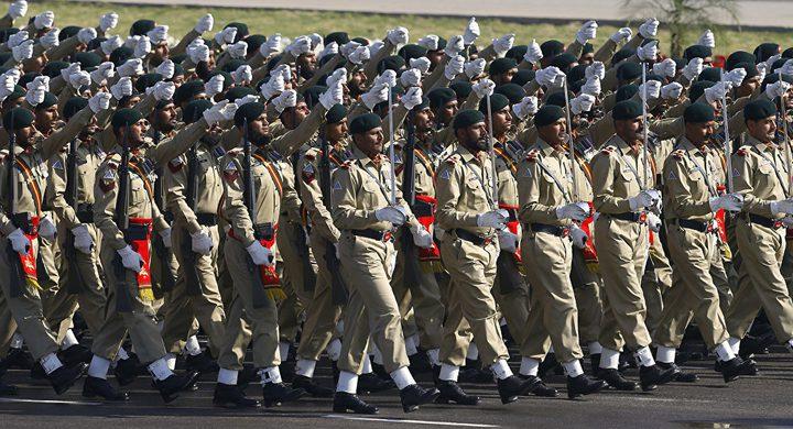 باكستان تعتزم زيادة قواتها الأمنية على حدود إيران