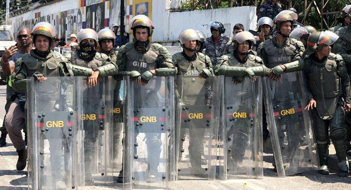 وزير الدفاع الفنزويلي يعلن رفضه لمحاولة الانقلاب العسكري