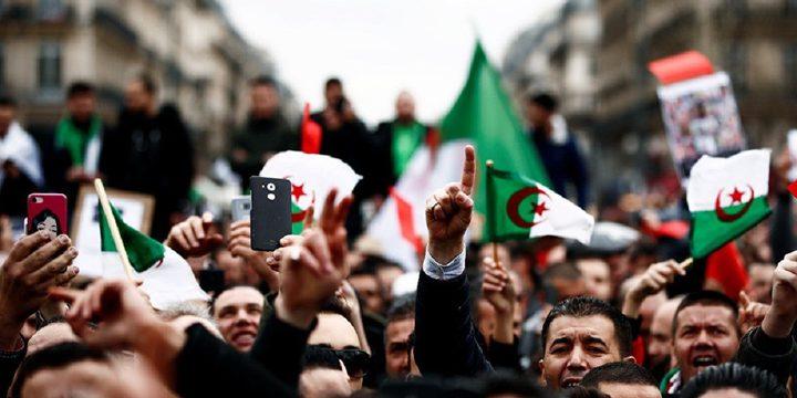 """قائد الجيش الجزائري: الانتخابات الرئاسية هي """"الحل الأمثل"""""""