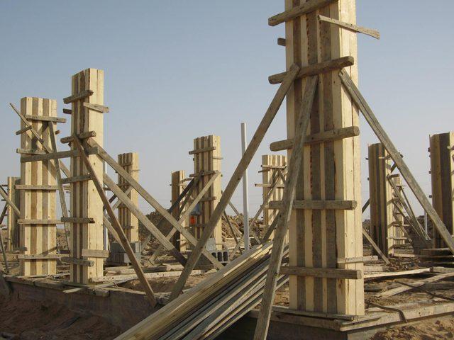 وزارة العمل تغلق 5 منشآت قيد البناء في رام الله