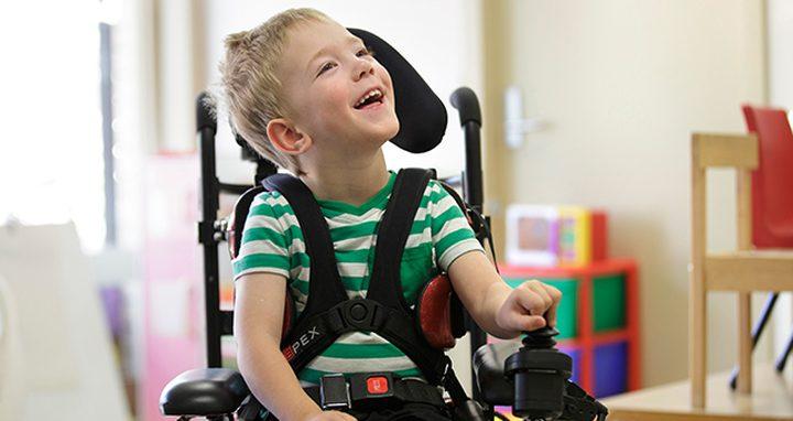 إجراء جراحي لتحسين القدرة على المشي لدى الأطفال المصابين بالشلل